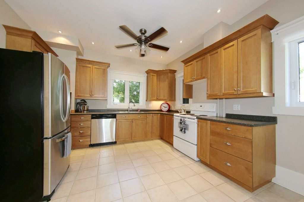 Photo 11: Photos: 604 Ashburn Street in Winnipeg: West End Single Family Detached for sale (West Winnipeg)  : MLS®# 1611072