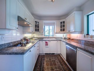 "Photo 9: 5E 328 TAYLOR Way in West Vancouver: Park Royal Condo for sale in ""THE WESTROYAL"" : MLS®# R2380863"