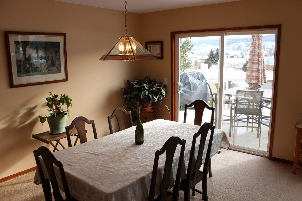 Photo 9: Photos: 3472 Navatanee Drive in Kamloops: South Thompson House for sale : MLS®# 130771
