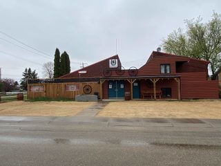 Photo 2: 9906/9904 105 Street: Westlock Business with Property for sale : MLS®# E4228940