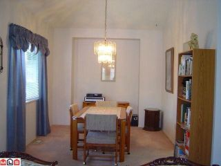 "Photo 3: 18 6478 121ST Street in Surrey: West Newton Townhouse for sale in ""SUNWOOD GARDENS"" : MLS®# F1014335"