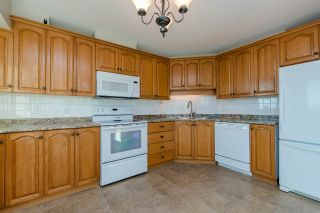 """Photo 12: 803 32440 SIMON Avenue in Abbotsford: Abbotsford West Condo for sale in """"Trethewey Tower"""" : MLS®# R2418089"""