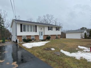 Photo 1: 2908 Ward Street in Coldbrook: 404-Kings County Residential for sale (Annapolis Valley)  : MLS®# 202105357