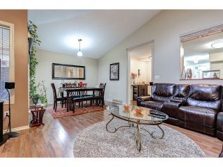 Photo 8: 704 8260 162A STREET in Surrey: Fleetwood Tynehead Townhouse for sale : MLS®# R2019432