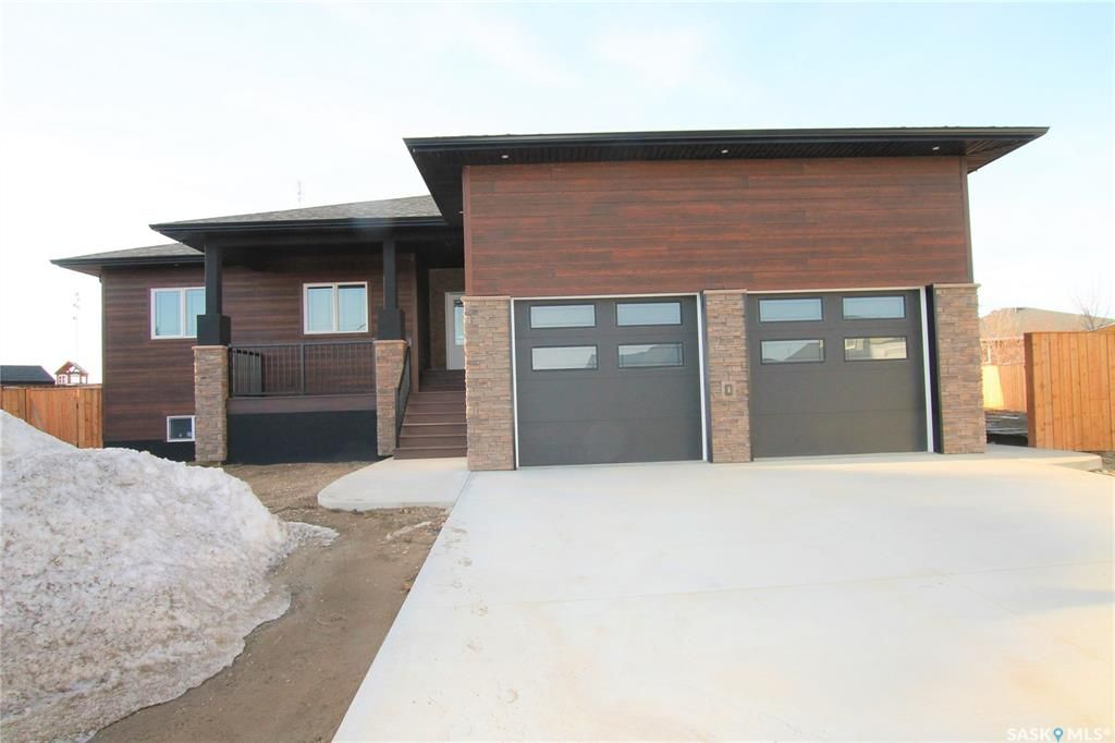 Main Photo: 836 Huntington Place in Swift Current: Highland Residential for sale : MLS®# SK834020
