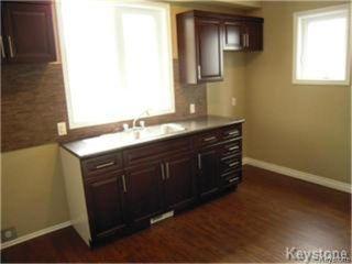 Photo 4: 404 Manitoba Avenue in WINNIPEG: North End Residential for sale (North West Winnipeg)  : MLS®# 1427269