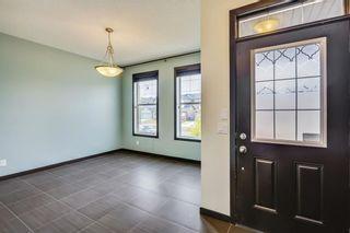Photo 3: 1303 NEW BRIGHTON Drive SE in Calgary: New Brighton House for sale : MLS®# C4137710