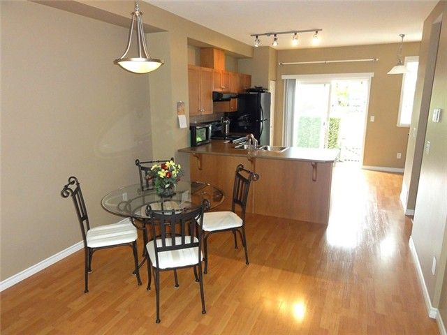 """Photo 6: Photos: # 2 6588 188TH ST in Surrey: Cloverdale BC Townhouse for sale in """"Hillcrest Place"""" (Cloverdale)  : MLS®# F1321944"""