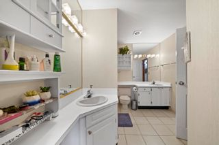 """Photo 14: 204 2195 W 40TH Avenue in Vancouver: Kerrisdale Townhouse for sale in """"THE DIPLOMAT IN KERRISDALE"""" (Vancouver West)  : MLS®# R2618112"""