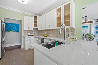 """Photo 16: 207 5 RENAISSANCE Square in New Westminster: Quay Townhouse for sale in """"THE LIDO"""" : MLS®# R2617609"""
