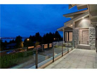Photo 18: 1479 CHIPPENDALE RD in West Vancouver: Canterbury WV House for sale : MLS®# V1016218