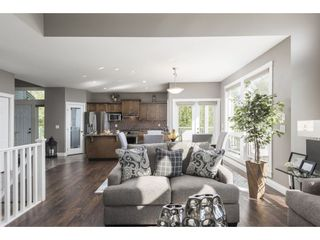 """Photo 7: 127 8590 SUNRISE Drive in Chilliwack: Chilliwack Mountain Townhouse for sale in """"Maple Hills"""" : MLS®# R2571129"""