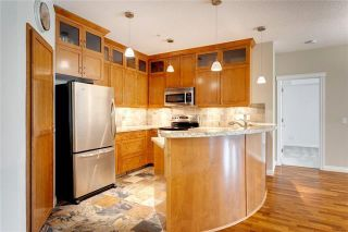 Photo 4: 106 6 HEMLOCK Crescent SW in Calgary: Spruce Cliff Apartment for sale : MLS®# A1033461