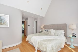 """Photo 11: 25 W 15TH Avenue in Vancouver: Mount Pleasant VW Townhouse for sale in """"CAMBIE VILLAGE"""" (Vancouver West)  : MLS®# R2065809"""