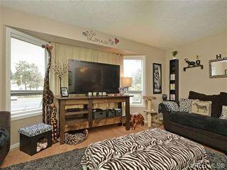 Photo 10: 1025 Goldstream Ave in VICTORIA: La Langford Proper Half Duplex for sale (Langford)  : MLS®# 699433