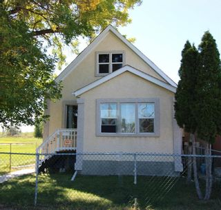 Photo 1: 1220 Selkirk Avenue in Winnipeg: Shaughnessy Heights Residential for sale (4B)  : MLS®# 202123336