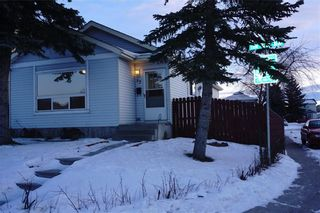 Photo 1: 95 ERIN WOODS Boulevard SE in Calgary: Erin Woods House for sale : MLS®# C4164400