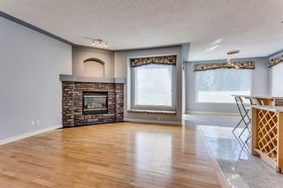 Photo 4: 132 Cresthaven Place SW in Calgary: Crestmont Detached for sale : MLS®# A1121487