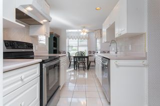 """Photo 10: 133 15550 26 Avenue in Surrey: King George Corridor Townhouse for sale in """"Sunnyside Gate"""" (South Surrey White Rock)  : MLS®# R2400272"""