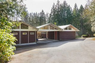 Photo 2: 5715 Old West Saanich Rd in VICTORIA: SW West Saanich House for sale (Saanich West)  : MLS®# 781269