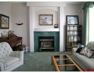 "Photo 2: 15331 80A AV in Surrey: Fleetwood Tynehead House for sale in ""SOUTH FLEETWOOD"" : MLS®# F2616282"