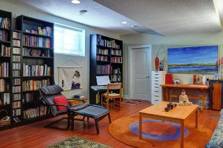 Photo 3: 400 30 Avenue NW in CALGARY: Mount Pleasant Residential Attached for sale (Calgary)  : MLS®# C3608679