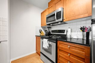 """Photo 8: 407 415 E COLUMBIA Street in New Westminster: Sapperton Condo for sale in """"San Marino"""" : MLS®# R2621880"""