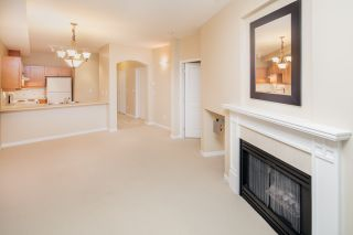 """Photo 7: 109 5605 HAMPTON Place in Vancouver: University VW Condo for sale in """"THE PEMBERLEY"""" (Vancouver West)  : MLS®# R2160612"""