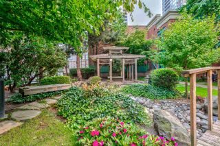 """Photo 19: 1204 939 HOMER Street in Vancouver: Yaletown Condo for sale in """"THE PINNACLE"""" (Vancouver West)  : MLS®# R2204695"""