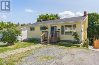 Photo 2: 5 NIGHTINGALE Road in ST.JOHN'S: House for sale : MLS®# 1235976