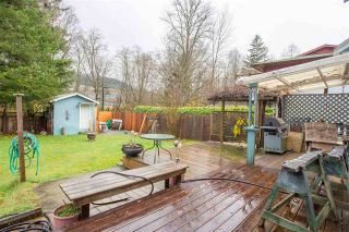 """Photo 16: 41318 KINGSWOOD Road in Squamish: Brackendale House for sale in """"Eagle Run"""" : MLS®# R2122641"""
