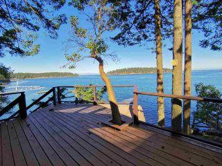 Photo 1: 578 ARBUTUS Drive: Mayne Island House for sale (Islands-Van. & Gulf)  : MLS®# R2504459