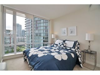 """Photo 14: 1603 8 SMITHE Mews in Vancouver: False Creek Condo for sale in """"Flagship"""" (Vancouver West)  : MLS®# V1064248"""