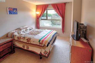Photo 4: 101 1715 Richmond Ave in VICTORIA: Vi Jubilee Condo for sale (Victoria)  : MLS®# 832496