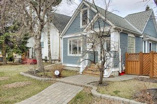 Main Photo: 408 22 Avenue NE in Calgary: Winston Heights/Mountview Detached for sale : MLS®# A1094173