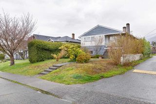 Photo 4: 314 W 20TH Street in North Vancouver: Central Lonsdale House for sale : MLS®# R2576256