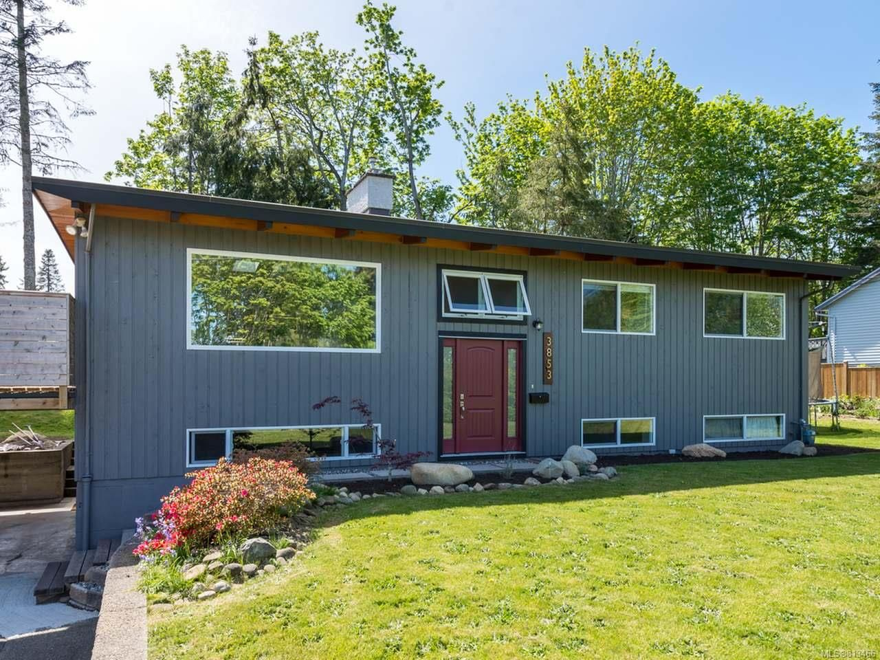 Main Photo: 3853 Livingstone Rd in ROYSTON: CV Courtenay South House for sale (Comox Valley)  : MLS®# 813466