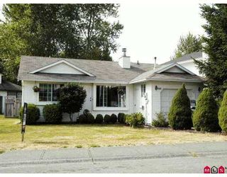 Photo 1: 9449 215A ST in Langley: Walnut Grove House for sale : MLS®# F2618668