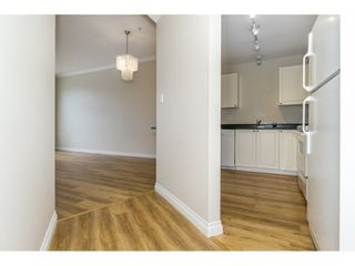 """Photo 3: 424 2551 PARKVIEW Lane in Port Coquitlam: Central Pt Coquitlam Condo for sale in """"THE CRESCENT"""" : MLS®# R2228836"""