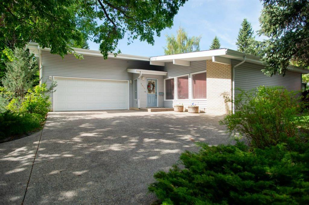 Main Photo: 9619 Oakhill Drive SW in Calgary: Oakridge Detached for sale : MLS®# A1118713