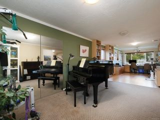 Photo 16: 10446 Resthaven Dr in : Si Sidney North-East House for sale (Sidney)  : MLS®# 855838