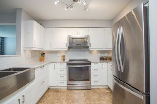"""Photo 7: 407 3480 MAIN Street in Vancouver: Main Condo for sale in """"The Newport"""" (Vancouver East)  : MLS®# R2485056"""