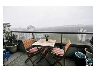 """Photo 7: # 2204 3970 CARRIGAN CT in Burnaby: Government Road Condo for sale in """"DISCOVER PLACE"""" (Burnaby North)  : MLS®# V861085"""