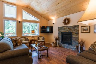Photo 33: 2948 UPPER SLOCAN PARK ROAD in Slocan Park: House for sale : MLS®# 2460596