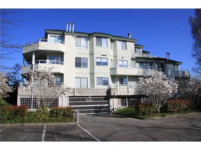Main Photo: 105 7600 Francis Road in Richmond: Condo for sale : MLS®# V926323