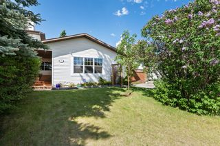 Photo 2: 780 Ranchview Circle NW in Calgary: Ranchlands Semi Detached for sale : MLS®# A1113497