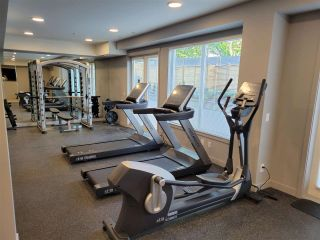 """Photo 32: 512 10838 WHALLEY Boulevard in Surrey: Bolivar Heights Condo for sale in """"The Maverick"""" (North Surrey)  : MLS®# R2583734"""