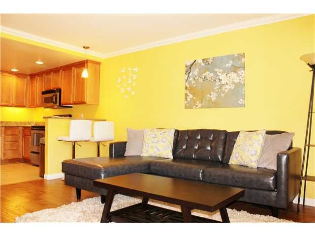 Main Photo: CROWN POINT Condo for sale : 1 bedrooms : 3993 Jewell Street #B1 in San Diego