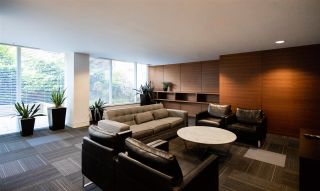 Photo 17: 905 2788 PRINCE EDWARD STREET in Vancouver: Mount Pleasant VE Condo for sale (Vancouver East)  : MLS®# R2368751