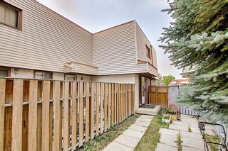 Photo 18: 2 519 64 Avenue NE in Calgary: Thorncliffe Row/Townhouse for sale : MLS®# A1140749